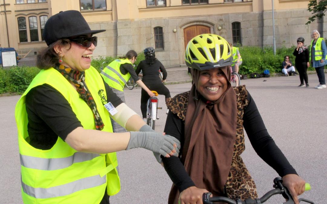 Cykelkurs för nyanlända kvinnor