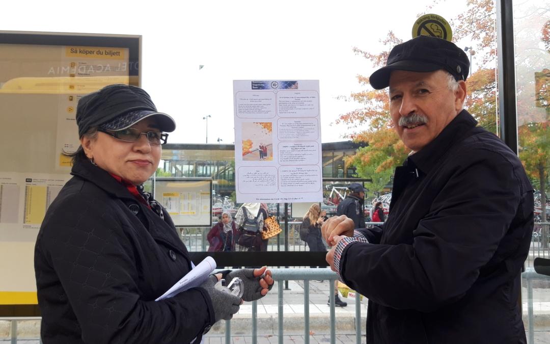 SIU sätter upp affisch om Äldredagen 20201001