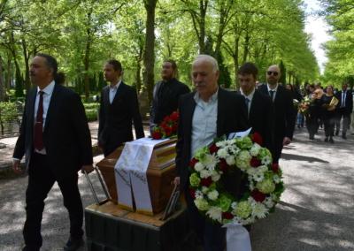 20210525 Mesheshas begravning